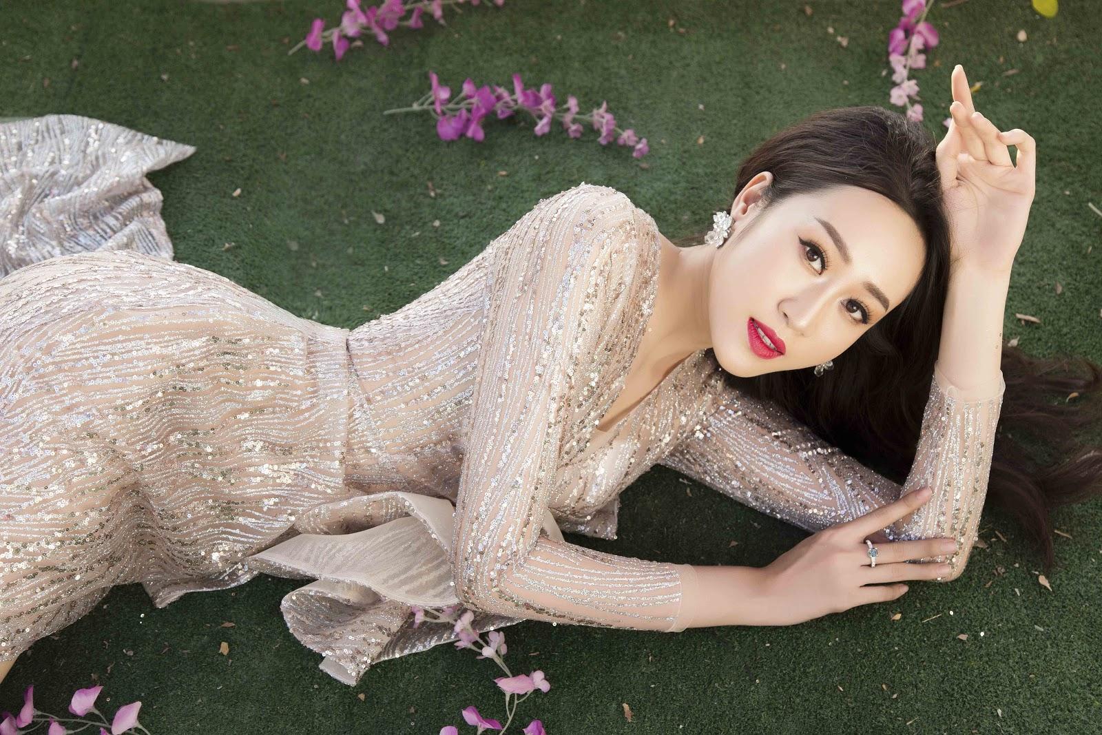 Giật mình với ảnh nóng của Hoa khôi Anika Trinh Trinh trong... bồn tắm lâu đài - Hình 11