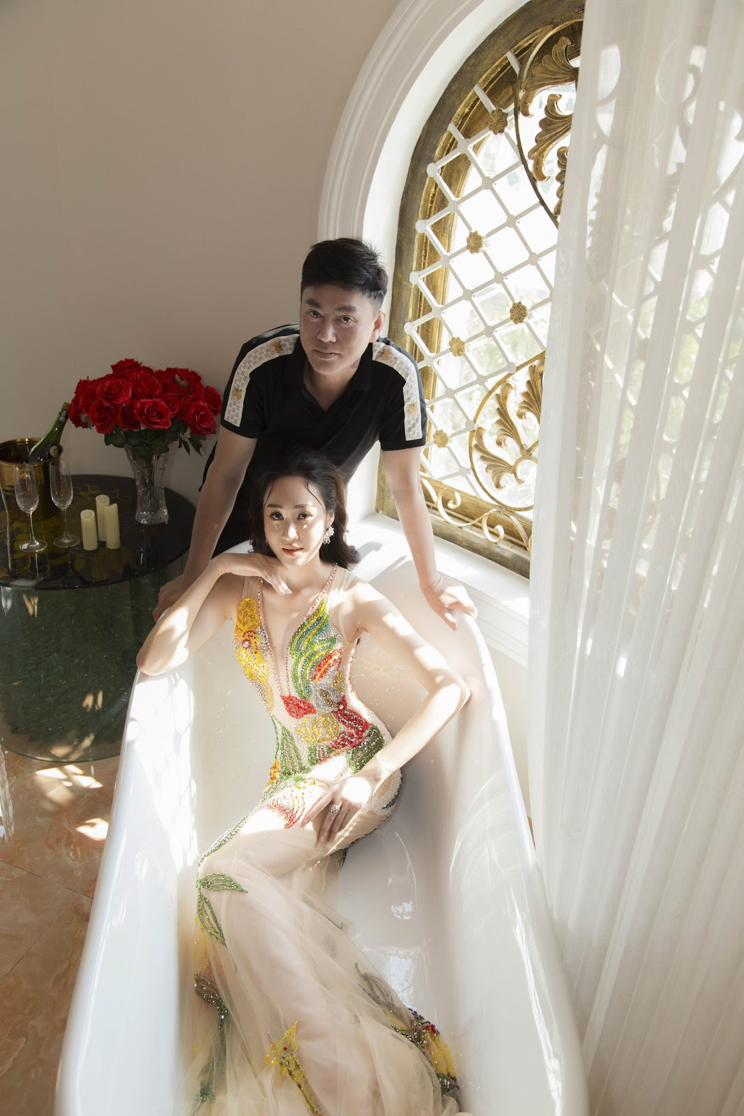 Giật mình với ảnh nóng của Hoa khôi Anika Trinh Trinh trong... bồn tắm lâu đài - Hình 8