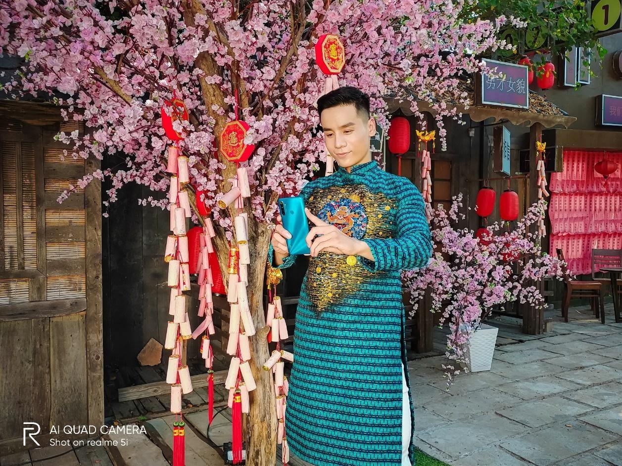 Nam vương Cao Xuân Tài gợi ý phong cách lịch lãm đón Tết - Hình 3