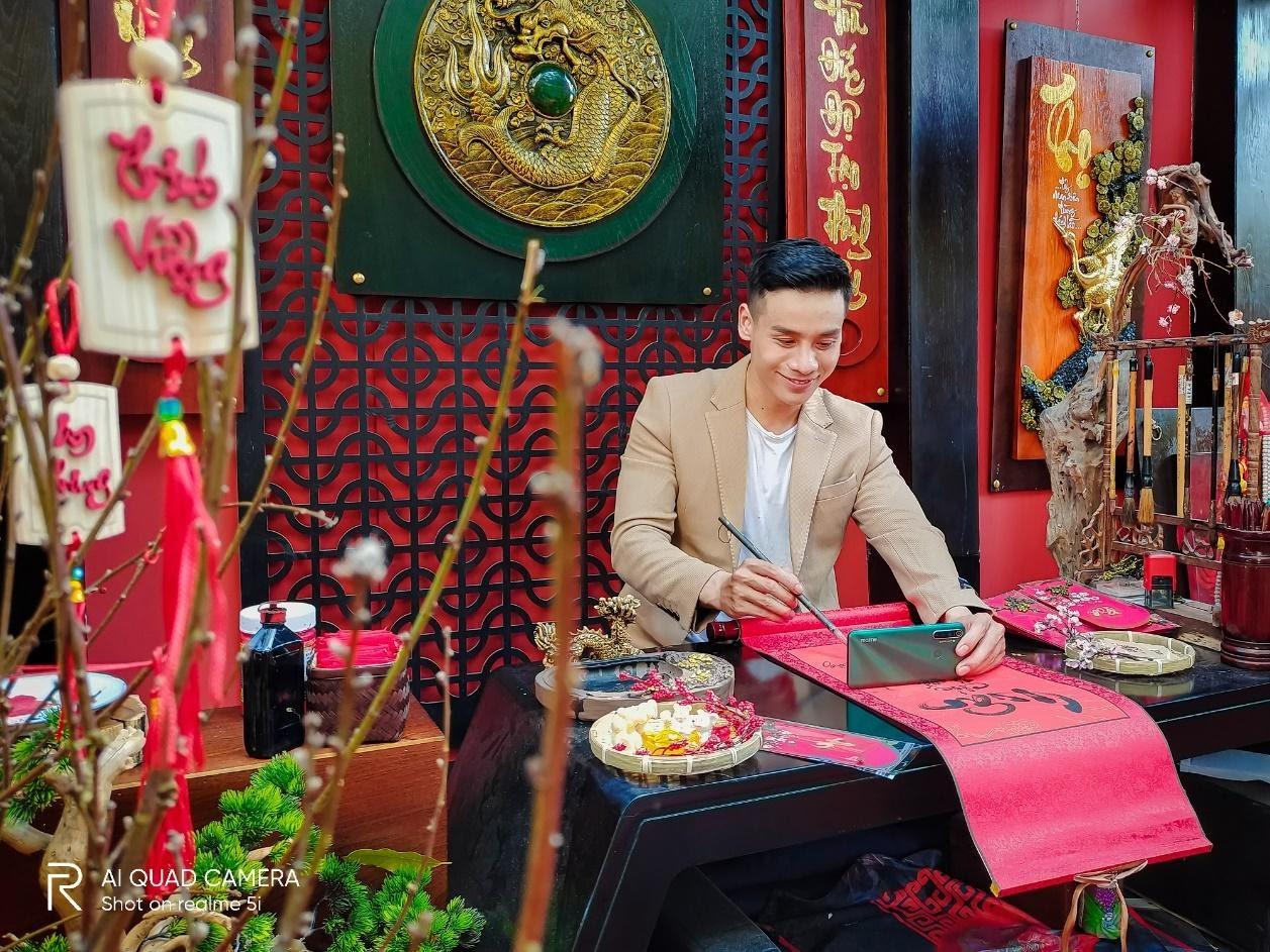 Nam vương Cao Xuân Tài gợi ý phong cách lịch lãm đón Tết - Hình 4